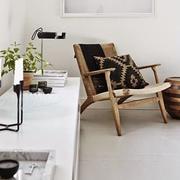 Sessel mit Kordelgeflecht