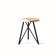 Aus Holz oder Stein: 'Side Table'