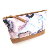 Clutch mit Aquarell-Print