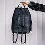 12 yoshiki leder rucksack schwarz
