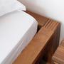 Pilat dorus bed detail