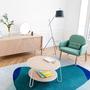 Harto serge teppich blau wohnbereich sessel eungenie tisch elisabeth leuchte ambiente